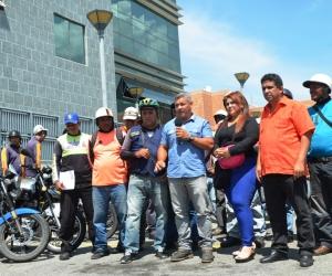 Mototaxistas merideños recibieron más de mil litros de aceite en espacios de Trolebús Mérida